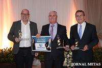 1° Prêmio Leopoldo Schmalz é entregue à empresário destaque do ano.